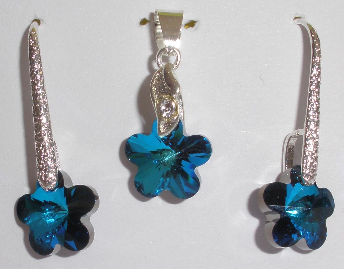 Sada Swarovski Kytička Bermuda Blue AB s bižuterními komponenty (SwKy13) 572336f3a70